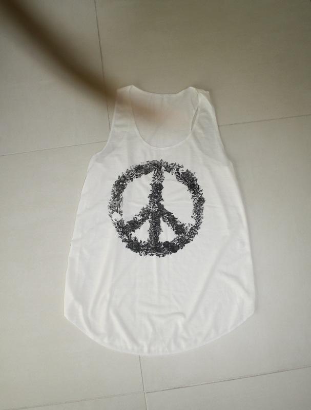 Camden Market, camiseta paz, mercado de camden twon, vivir con gusto, vivircongusto, blog, camiseta blanca paz